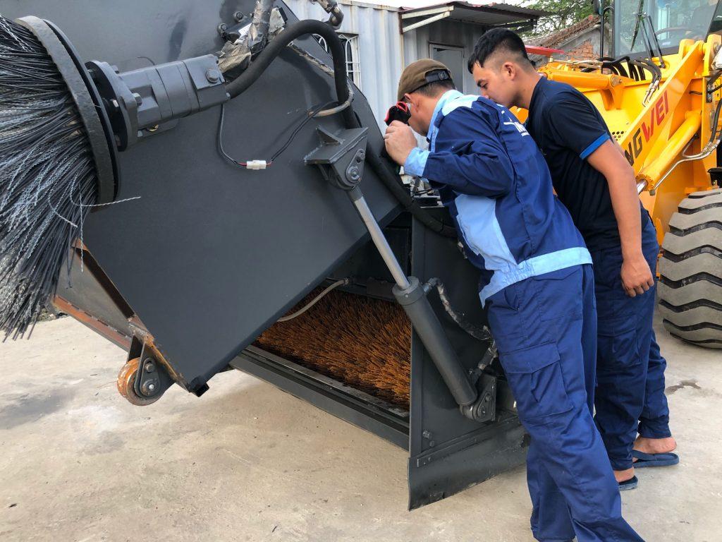 Xúc lật quyét rác Rongwei ZL926WS